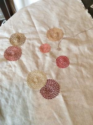 Running stitch circles