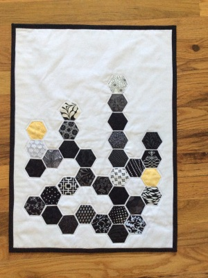Black and white hexagon mini