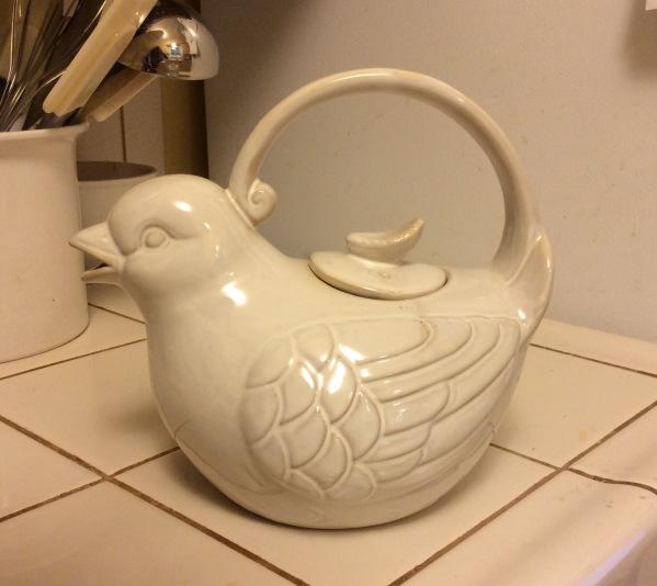 Bird tea pot