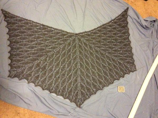 Nypon lace shawl
